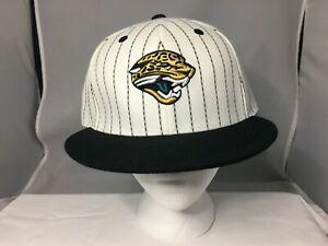 Reebok Team Apparel NFL Fitted Cap Hat JACKSONVILLE JAGUARS Size 8 WHITE & BLACK