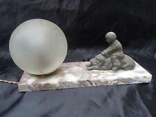Lampe veilleuse sculpture enfant et son chien d'époque Art Déco vers 1930