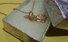 """19"""" cadena de color dorado en caja con el corazón y colgantes de Cupido"""
