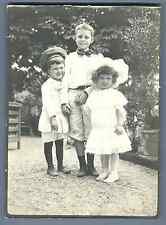 Enfants au parc, vers 1900 Vintage silver print  Tirage argentique d'époq