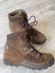 Genuine British Army Issue Iturri Desert Liability Brown Soft Suede Boots - 11M