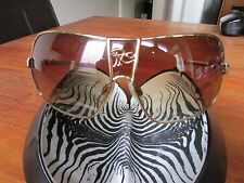 GORGEOUS ROBERTO CAVALLI GOLD FRAMED DESIGNER SUNGLASSES WITH CASE.