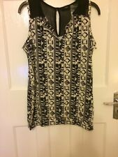 BNWT Ladies Size 10 Next Black And White Sleeveless V Neck Patterned Top