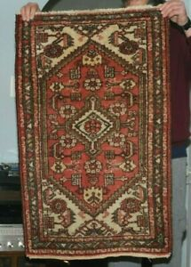 Geometric Design Hand-Knotted Oriental Area Rug