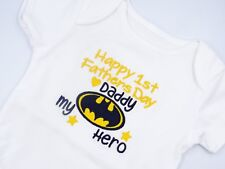 Embroidered BATMAN MY HERO DADDY HAPPY 1st FATHERS DAY BABY BIB VEST SLEEPSUIT
