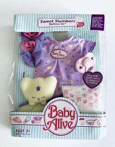 New Baby Alive SWEET SLUMBERS BEDTIME SET Pacifier Dress Diaper Blanket Booties