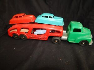 """VINTAGE HUBLEY AUTO TRANSPOT PLASTIC TOY TRUCK WITH 4 CARS > 13"""" INCHES LONG.."""