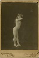 Félix, Une actrice nommée Lefévre prend la pose  Félix, Une actrice nommée Lefév