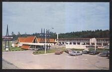 Postcard RIVIERE-Du-LOUP Quebec/CANADA  Levesque Motel Motor Court view 1960's