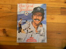 LOT 2 1983 NEW YORK YANKEES Official Yearbook Rookie Don MATTINGLY POSTCARDS +!