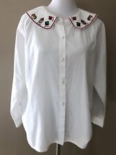 Laura Gayle Blouse White Button Front Embroidered Collar School Teacher Book Bus