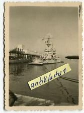 Foto : Kriegsschiff / Schlachtschiff aus Italien im Hafen von Neapel im 2.WK