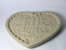 The Pampered Chef Gardens of the Heart Clay Cookie Mold 1996
