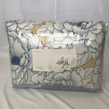 Bloomingdale's Sky Bedding - Camellia Floral Quilt - Twin - Sham Included