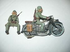 1 VINTAGE ELASTOLIN WW2 GERMAN DISPATCH MOTORCYCLE RIDER & SOLDIER- 7.5cm -