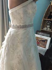 Beautiful Ivory wedding Dress.