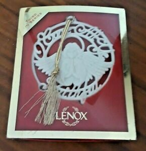 Lenox Porcelain~O Come All Ye Faithful ~Songs of Christmas Ornament original box