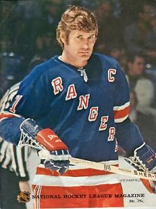 1972-73 Chicago BlackHawks vs New York Rangers PROGRAM MAGAZINE Vic Hadfield