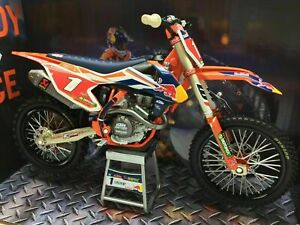 KTM RYAN DUNGEY SXF 450 1:10 SCALE MOTORCYCLE MODEL. DIRT BIKE. NEW RAY TOYS.