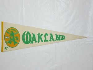 """Vintage 70s OAKLAND ATHLETICS """"THE SWINGIN' A'S"""" 30"""" Pennant WHITE"""