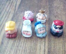 6 figurines big têtes  kinder .