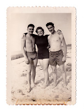 Vintage 1940s Photo SNAPSHOT Shirtless Handsome YOUNG MEN SWIMSUIT Bulge Gay Int