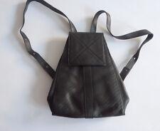 joli sac à dos LANCEL en cuir noir chic