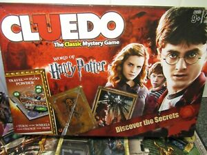 CLUEDO WORLD OF HARRY POTTER BOARD GAME DISCOVER THE SECRETS EDITION, COMPLETE