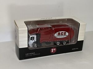 1/87 First Gear Mack Front Load