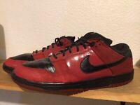 NIKE SB Dunks Low MILLI VANILLI Sz 10 Varsity Crimson Red Black Jordan 304292602