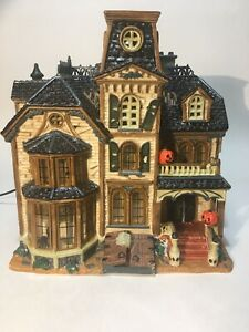 Lemax Spooky Town Collection Greaves Manor  Porcelain Lighted House