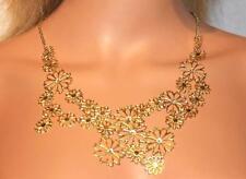 wunderschönes zartes Blüten - Collier in goldfarben mit klarem Strass NEU