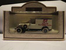 Lledo DG22 010 A 1933 Packard TOWN VAN-HEINZ 57