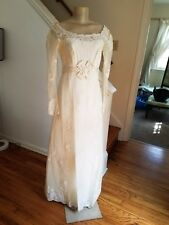 New listing Vintage Lace Wedding Dress 1960's