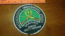 MASSACHUSETTS ENVIRONMENTAL GRADUATE HUNTER SAFETY PROGRAM HUNTING PATCH BX k#18