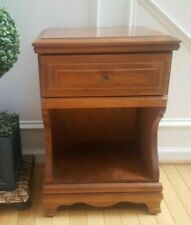 VINTAGE SOLID WOOD NIGHTSTAND END SIDE TABLE W/ DRAWER