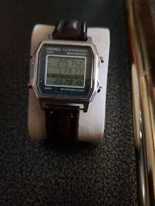 Rare Seiko mens Watch, Vintage working M422-501A sports150