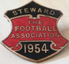 THE FOOTBALL ASSOCIATION 1954 STEWARD Badge Brooch pin In gilt 31mm x 34mm