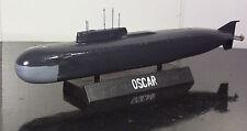 BUILT>1/700 SCALE MODERN SOVIET OSCAR CLASS MISSILE SUBMARINE