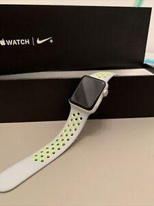 apple watch serie 2 38 mm Nike+