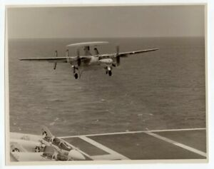 1976 Grumman E2-B Hawkeye AWAC VAW-116 CVN-68 USS Nimitz 8x10 Original Photo