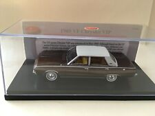 1/43 TRAX TRR83 1969 VF Chrysler VIP - Satinwood / Cream