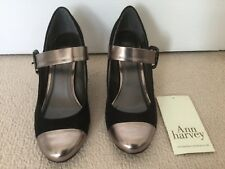 Brand new Anne Michelle size 5 black and gold shoes ladies shoes never worn