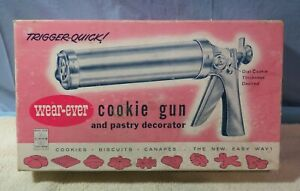 Vintage Wear-Ever Cookie Gun & Pastry Decorator All Metal Original +Icing Tube