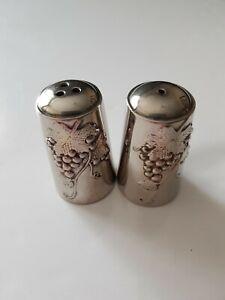 Ancienne salière et poivrière en métal argenté