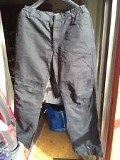 PLAYLIFE. ( BENETTON) Pantalón Negro Holgado Informal T L  T 44
