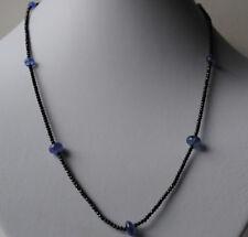 Halskette mit natürlichen Tansanit Kugeln und schwarzen Spinell Kugeln