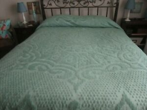 Vintage Chenille Bedspread - Green