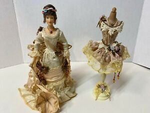 Show Stoppers Doll & Extra Dress on Stand