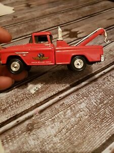 Ertl Classic Vehicles 1955 Chevy Cameo Wrecker Tow Truck Red 1/43 Scale NEW MINT